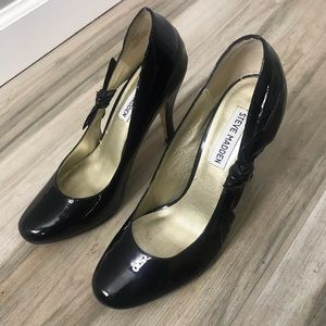 Steve Madden Shiny Black Bow High Heels Size 7.5